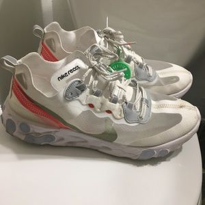 Nike react elements size 9.5 men